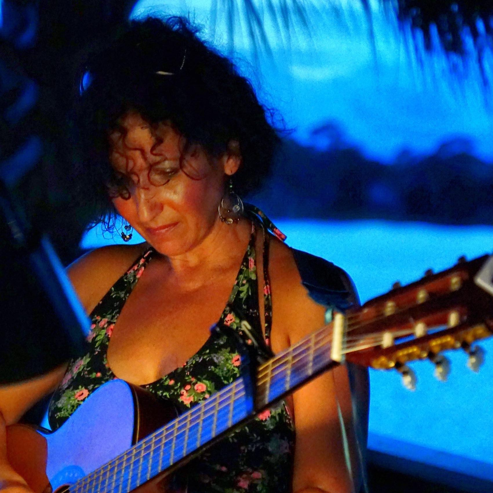 May,04 2019 Live - Toni Drago Seascape Towne Centre | Seascape Resort Destin Florida Events